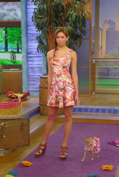 Los vestidos floreados con corte ayudan a resaltar la cintura y es ideal...