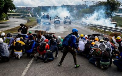 Este lunes hubo nuevos enfrentamientos entre manifestantes y la Guardia...