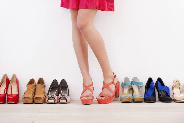 Cambia de zapatos. Evita usar dos días seguidos el mismo calzado,...