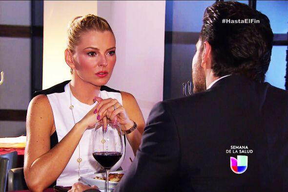 Te ves muy triste Sofía, ni la presencia de Patricio te alegra.