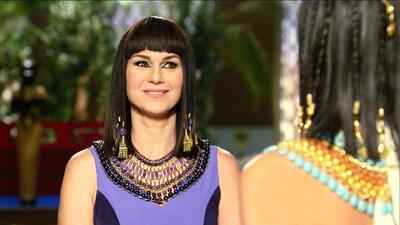 Yunet intenta convencer a Nefertari de conquistar a Ramsés