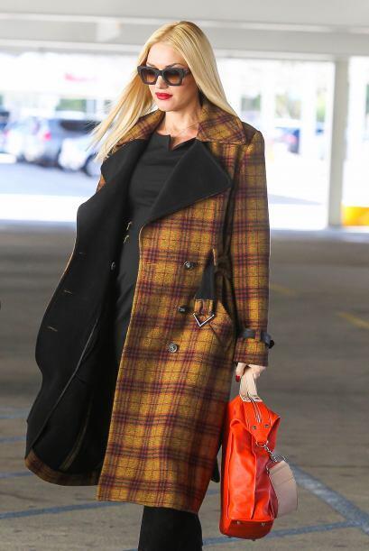Gwen se paseó por Bloomingdales y otras tiendas de Beverly Hills....