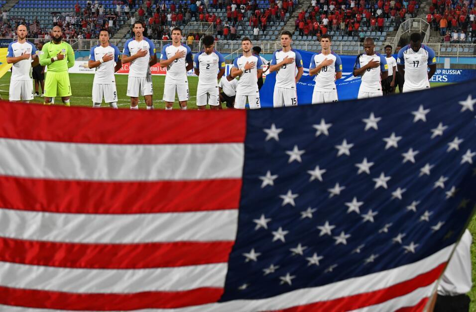 Bruce Arena renunció como técnico de Estados Unidos tras el fracaso de n...