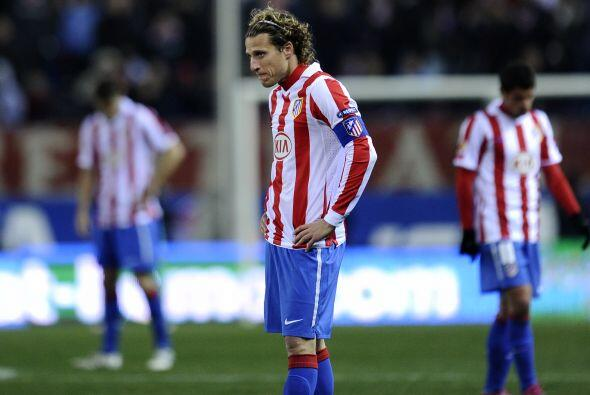 Atlético de Madrid sufrió una sorpresiva derrota que complica sus opcion...