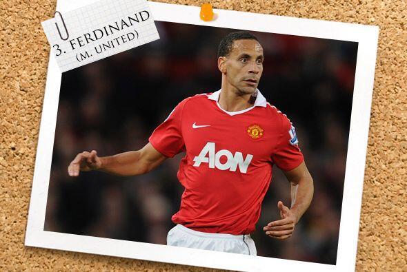Rio Ferdinand no mardó gol pero, como es costumbre en él, fue un líder e...