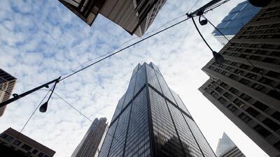 Ventana al Tiempo: Temperaturas cálidas, fuertes vientos y cielos nublados durante este viernes en Chicago