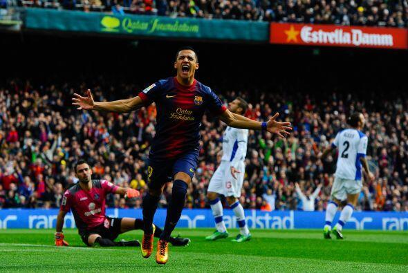 Alexis Sánchez sacaba un cúmulo de emociones al mandar el balón a dormir...