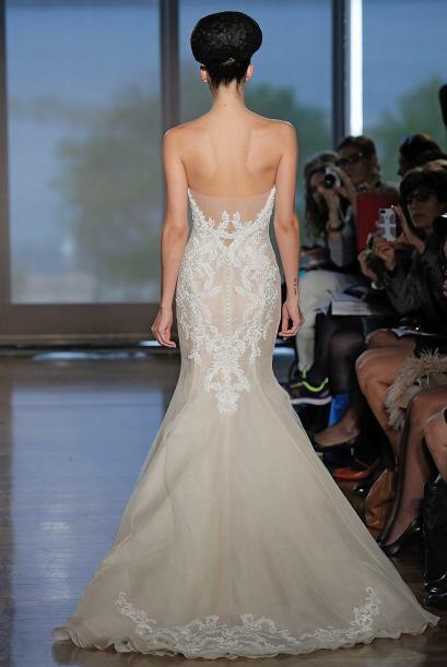 Este modelo es fantástico para estilizar la silueta de una novia y es su...