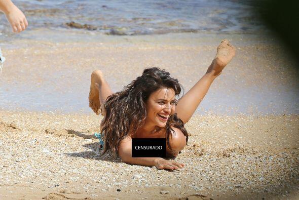 La súper modelo realizó una candente sesión fotográfica en Hawaii, pero...
