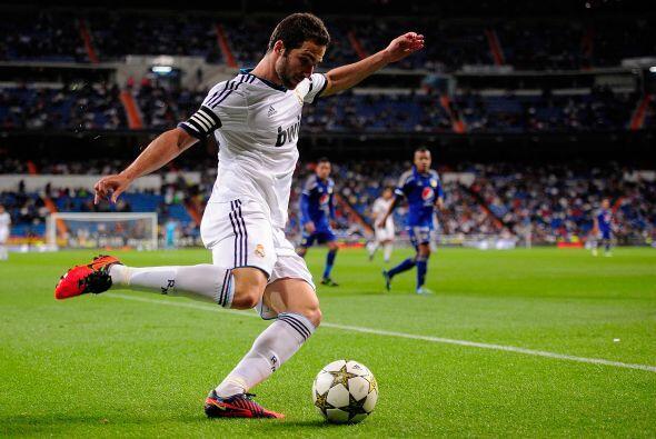 Se disputó una edición más del Trofeo Santiago Bernabéu en el estadio co...