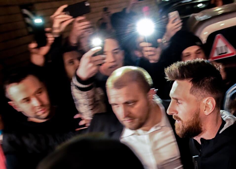Error de '10': Messi no reconoció a un futbolista argentino que le pidió...