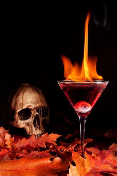 Beso de fuegoNecesitas •1 oz de Vodka de Naranja •0.25 oz de Bourbon W...