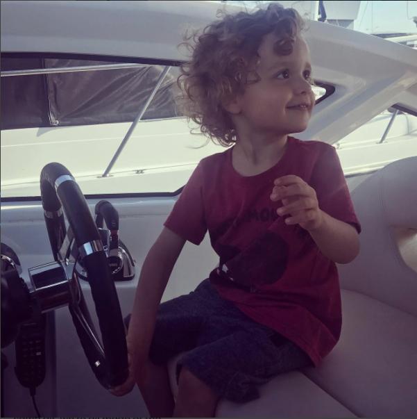 Hace poco Jaime celebró los tres años del pequeño con esta tierna foto.