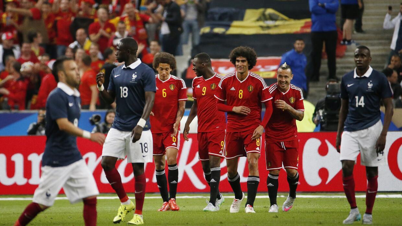 Fellaini fue la figura de los belgas al marcar un doblete.