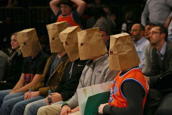 8 de Enero - Rockets (25-11) ganan 120 - 96 a los Knicks (5-34). Justo a...