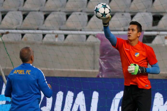 APOEL [2]-1 Nea Salamis: otro juego como suplente para el portero Raúl G...