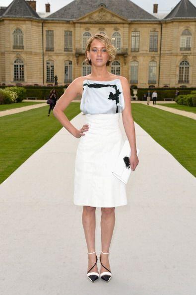 ¡Jennifer Lawrence se coordinó de pies a cabeza! Lindo vest...