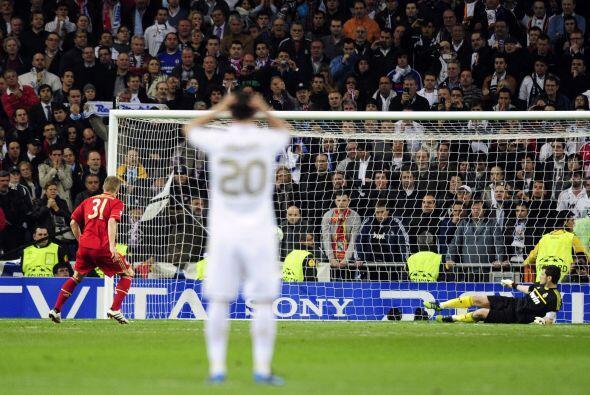 Los alemanes fallaron dos, detenidos por Casillas, pero metieron los dem...