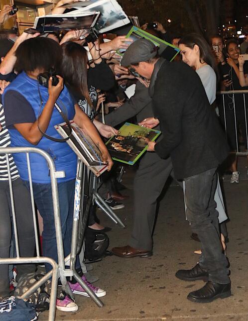Los famosos aceptaron sin problemas en pasar tiempo con la gente.