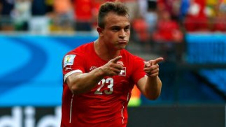 Xherdan Shaqiri marcó tres goles en la victoria de Suiza sobre Honduras.