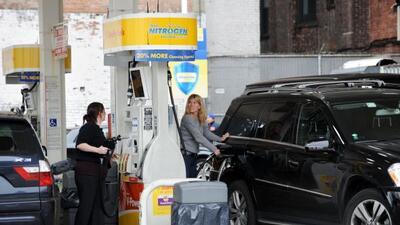 Esta nueva ley ayudará a que las visitas a la gasolinera sean menos frec...