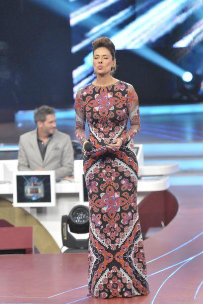 Galilea nos sigue impresionando con los sexis y variados vestidos que vi...