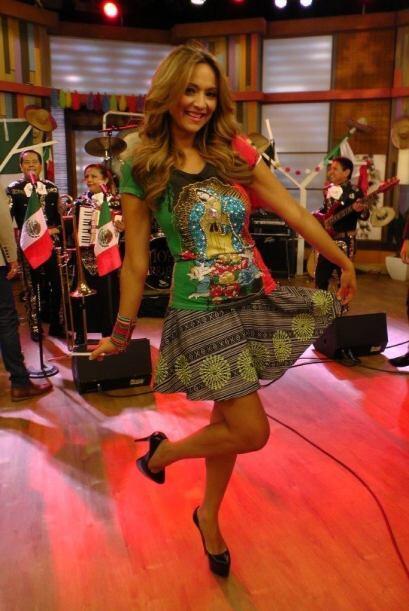 Verónica Bastos lució un outfit muy peculiar, con la imagen de la Virgen...