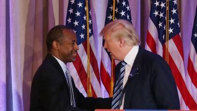 Donald Trump y Ben Carson en Palm Beach, en marzo cuando el médico dio s...