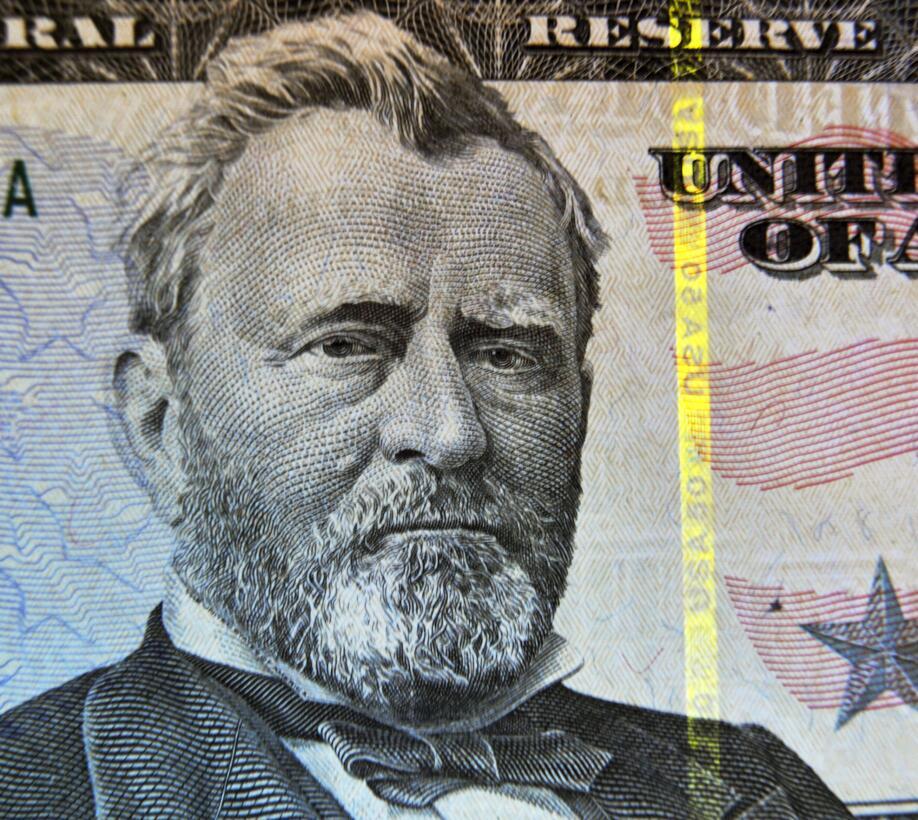 Ulysses S. Grant (1822-1885) es el hombre del billete de 50 dólares. Fum...