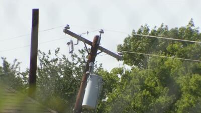 Comunidad de Grand Perrie se declara preocupada por la posible caída de un poste de luz