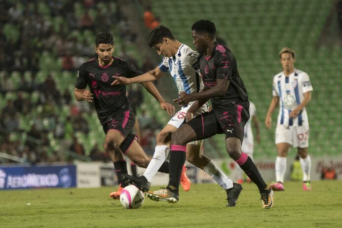 Emocionante empate entre Santos y Pachuca 20171029-8731.jpg