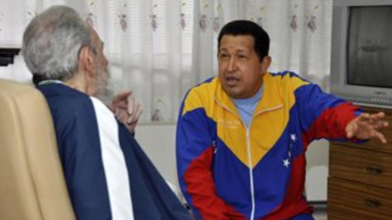 La última foto de Hugo Chávez junto a Fidel Castro en algún lugar de Cub...