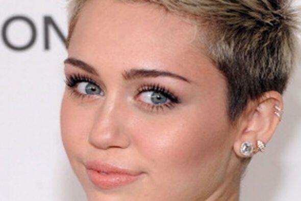Aquí una lista de algunas de las celebridades que sufrieron algunas tran...