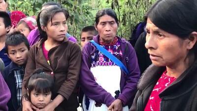 Un grupo indígenas desplazados, en las montañas de Chiapas, México.