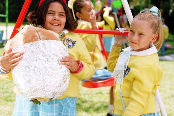 Estas bellas niñas nos demuestran que para la amistad no hay tamaños, co...