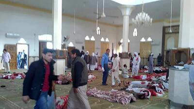Las imágenes publicadas del ataque de este viernes en la mezquita...