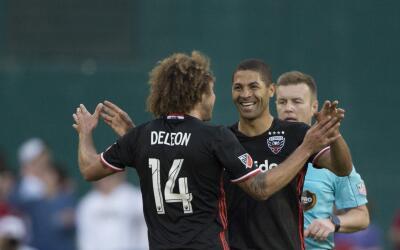 Álvaro Saborío celebra su gol con D.C. United ante NE Revo...