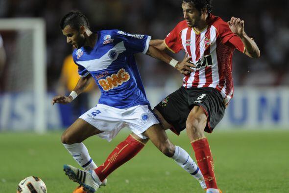 Cruzeiro se apuntó en Argentina una nueva goleada sobre Estudiantes de L...