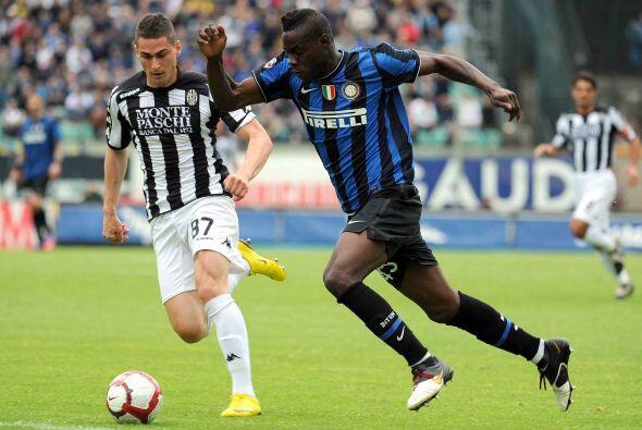 Inter se enfrentó al Siena con la obligación de ganar para no depender d...