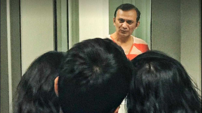 El pasado 18 de febrero, la familia intentó visitar al profesor de quími...