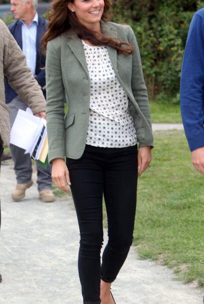 El 'look' más sorprendente de la semana se lo lleva Kate Middleton por h...