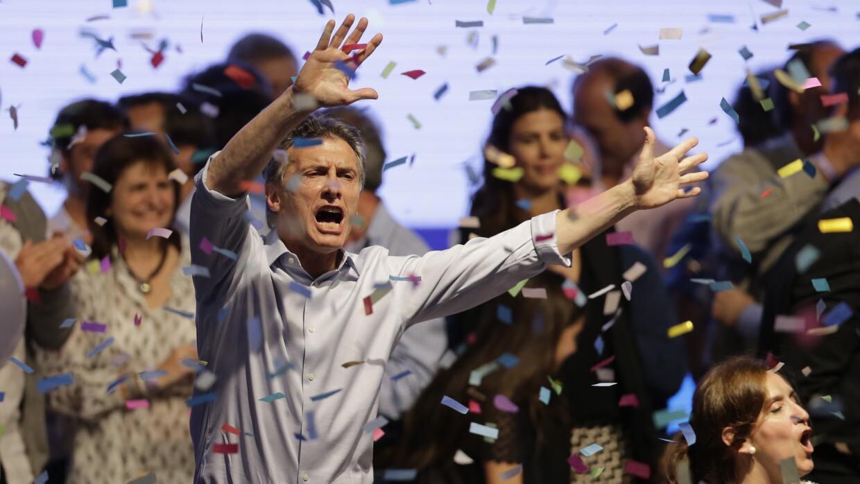 El opositor Mauricio Macri celebra los resultados de los comicios presid...