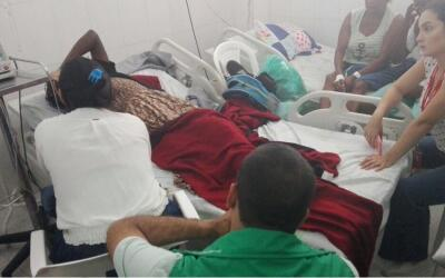 La mujer que dio a luz en un vuelo con destino a Bogotá es atendi...