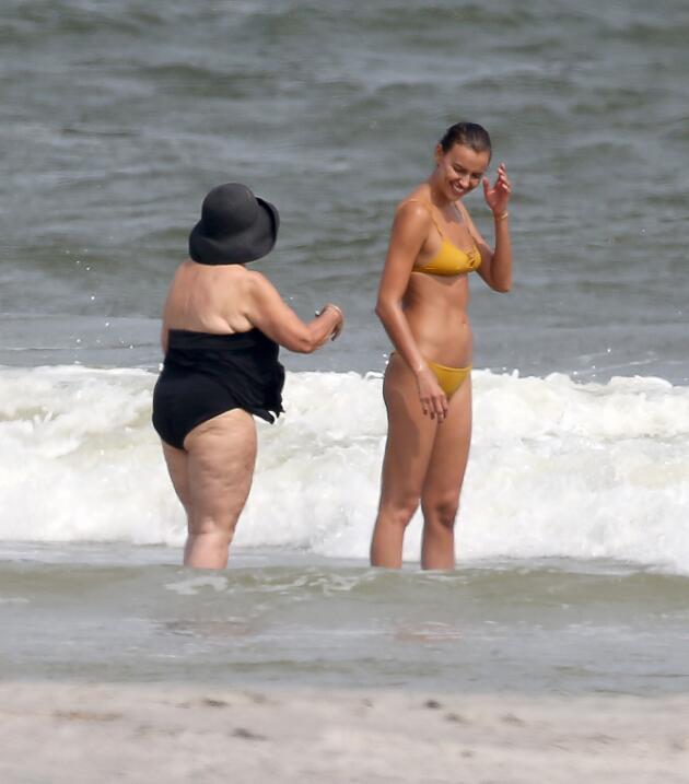 Irina Shayk ya conoce a la madre de Bradley Cooper TID_BCAISE150906_03.JPG