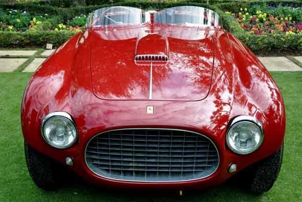 El Ferrari 250 MM Spyder Vignale 1953 fue una de las variantes de la ser...