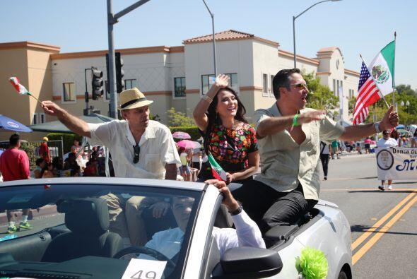 El equipo de Univision 34 compartió con el público angelin...