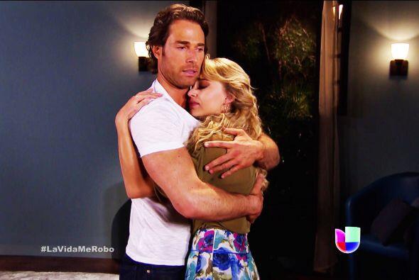 """Pues amábamos verla al lado de Sebastián Rulli como """"Alejandro""""."""