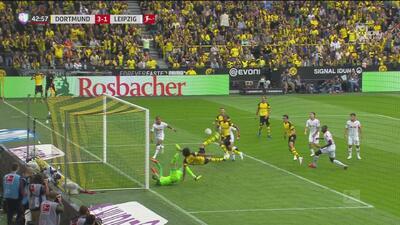 ¿Karate Kid? Axel Witsel amplía el marcador para el Dortmund con una espectacular tijera
