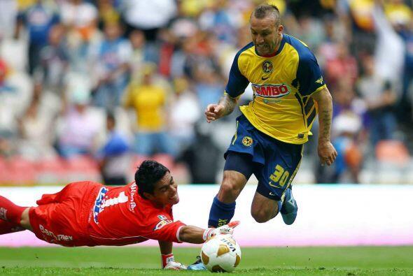 """Antes de ello el """"Toro"""" luchó con las Águilas por vencer al Santos, equi..."""