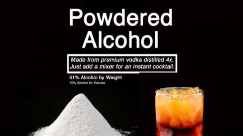 Este polvo puede convertir el agua en vodka, ron una lista de cocteles a...